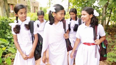 Roll Number17 Ananya with friends still from the film